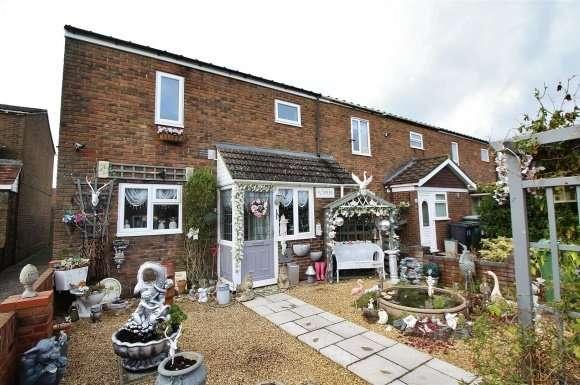 3 Bedrooms Property for sale in Tasmania Close, Basingstoke