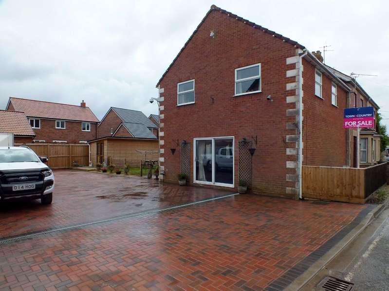 3 Bedrooms Semi Detached House for sale in Semington Road, Melksham, Wiltshire, SN12