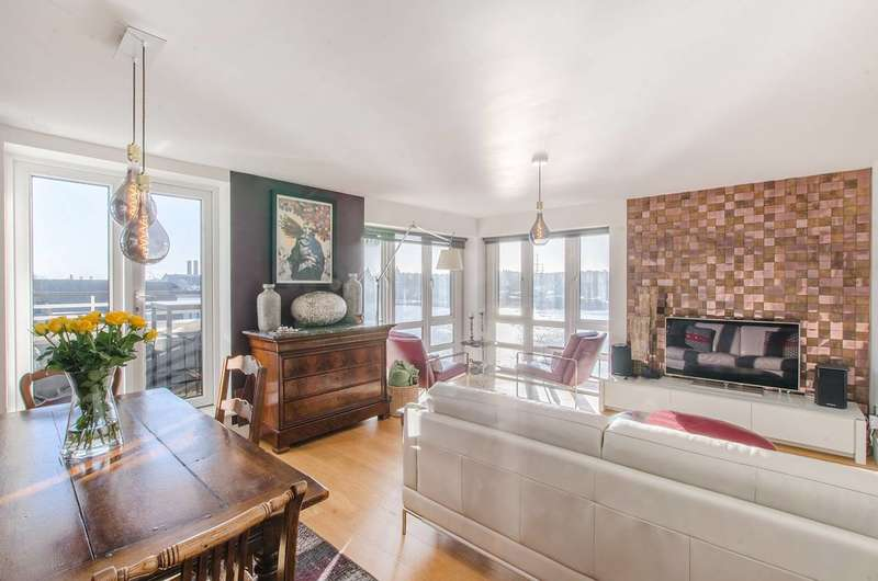 3 Bedrooms Flat for sale in St Davids Square, Canary Wharf, E14
