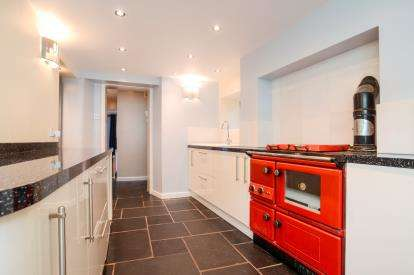 5 Bedrooms Terraced House for sale in Totnes, Devon