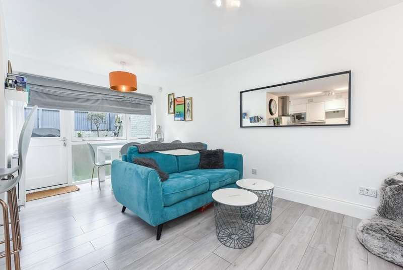 1 Bedroom Flat for sale in Brixton Road, London SW9