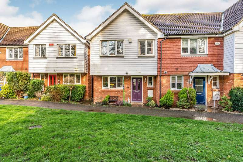 3 Bedrooms End Of Terrace House for sale in Finch Close, Faversham, Kent, ME13