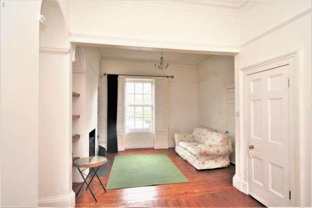 3 Bedrooms Terraced House for sale in Broadgate, Preston, PR1