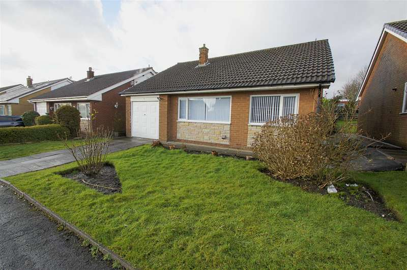 3 Bedrooms Detached Bungalow for sale in Caithness Drive, Ladybridge, Bolton