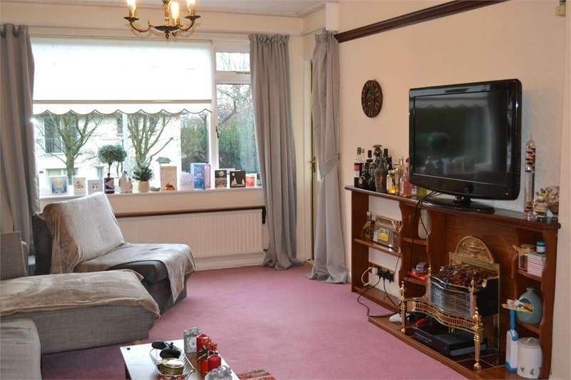 2 Bedrooms Flat for sale in Flat 7, Beresford Court, Lake Road, Bowness on Windermere, Cumbria