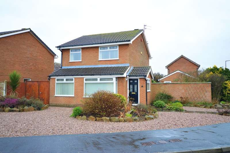 4 Bedrooms Detached House for sale in Frobisher Drive, Lytham St. Annes FY8