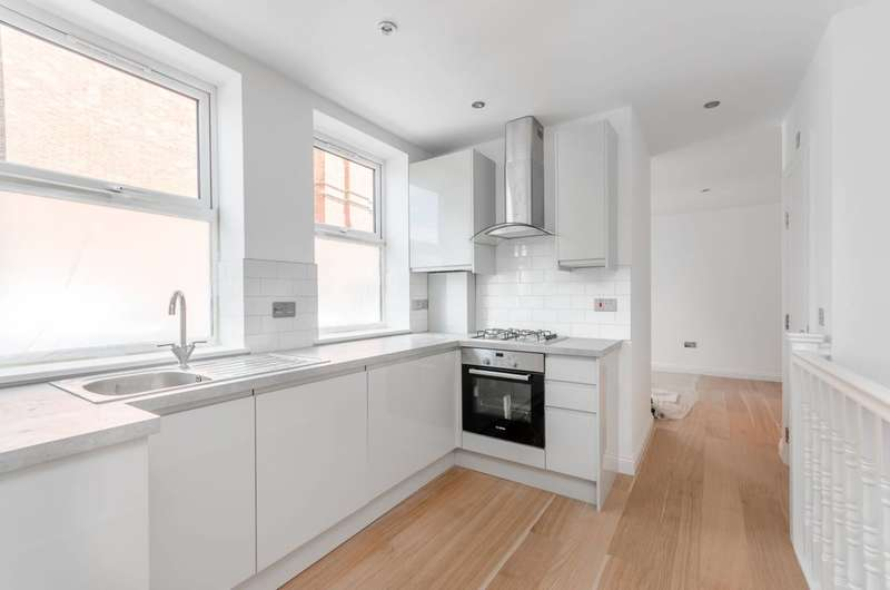 2 Bedrooms House for sale in Acton Lane, Chiswick, W4