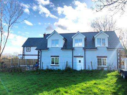 3 Bedrooms Detached House for sale in Lytchett Matravers, Poole