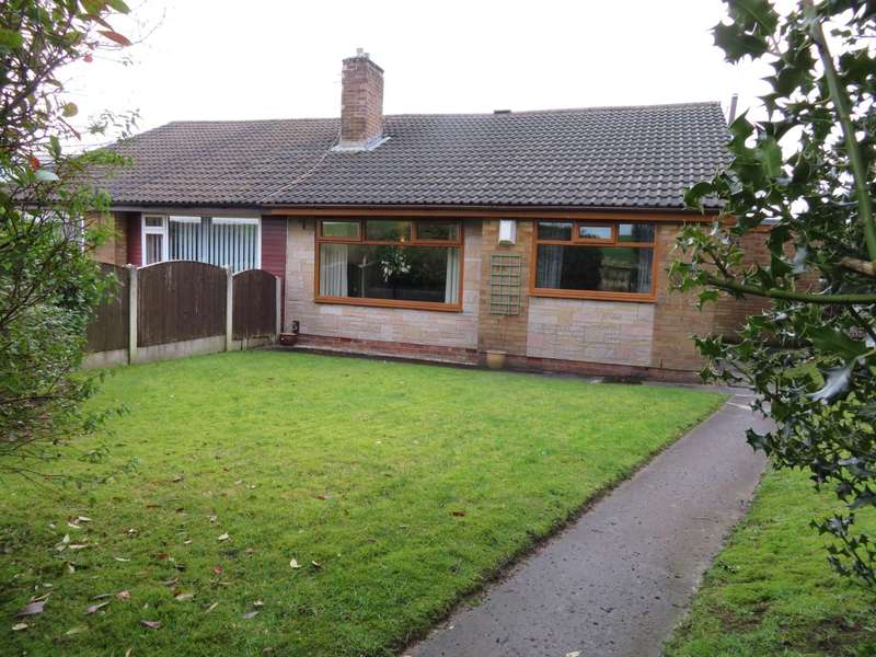 4 Bedrooms Semi Detached Bungalow for sale in Thornham Road, High Crompton, Shaw
