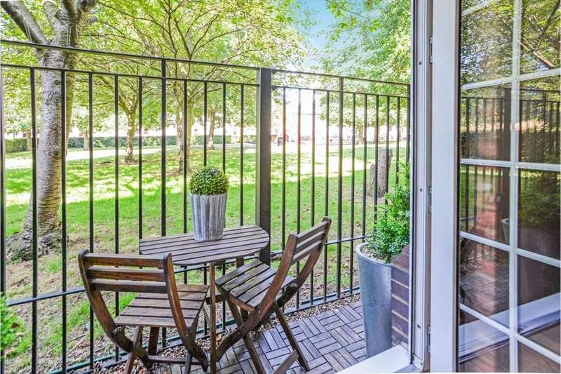 2 Bedrooms Apartment Flat for sale in Old Canal Mews, London, SE15