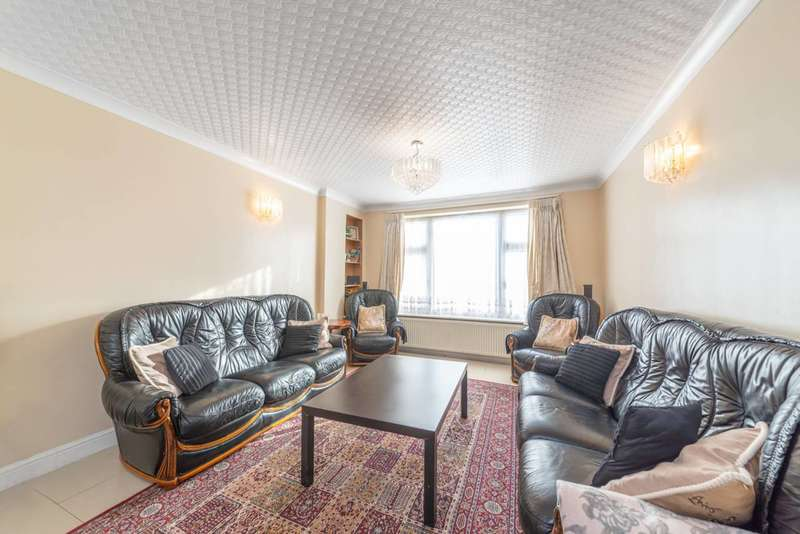 6 Bedrooms Semi Detached House for sale in Langdale Gardens, Perivale, UB6