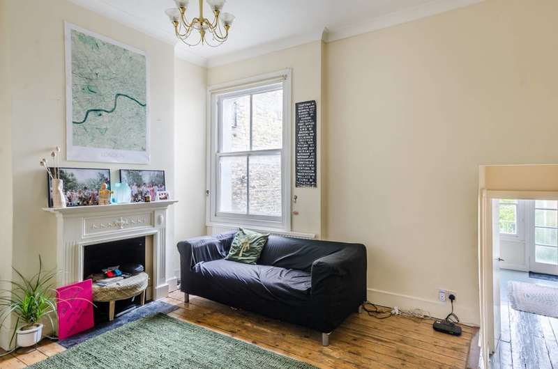 2 Bedrooms Flat for sale in Wandsworth Bridge Road, South Park, SW6