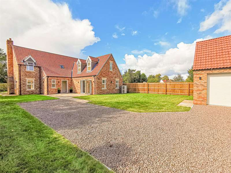 5 Bedrooms House for sale in The Drift, Walcott, Lincoln