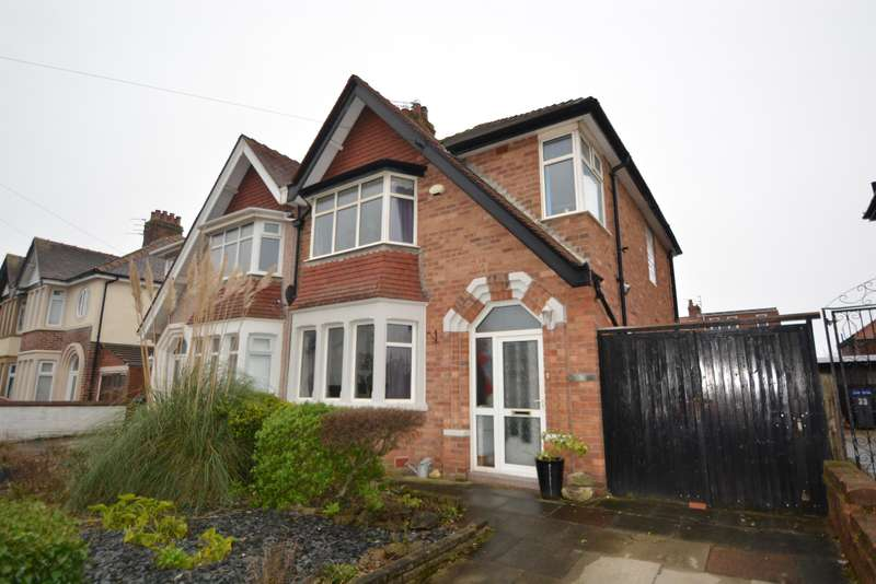 3 Bedrooms Semi Detached House for sale in Gosforth Road, Blackpool, FY2 9UB