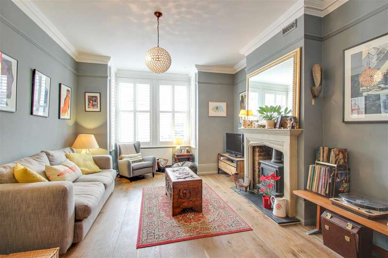 5 Bedrooms Terraced House for sale in Queenswood Road, London