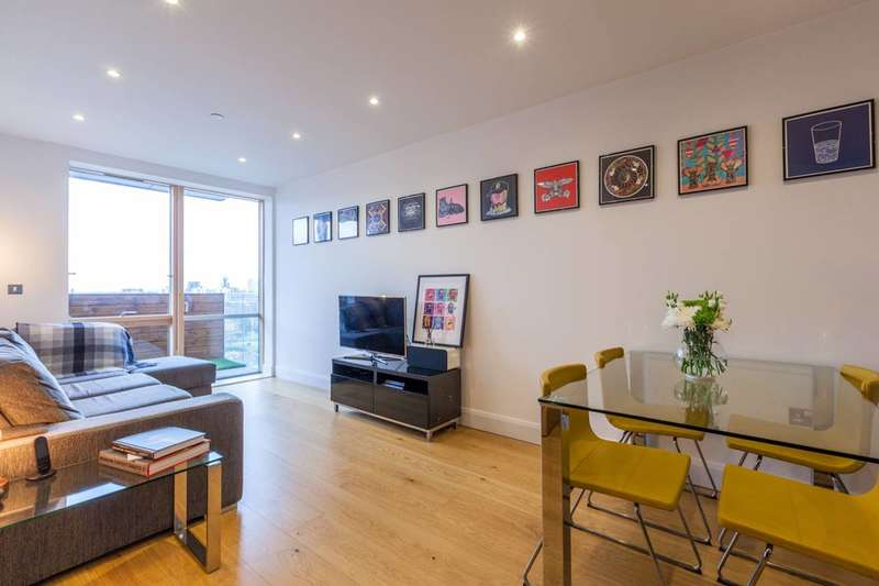 2 Bedrooms Flat for sale in Hoey Court, Barry Blandford Way, Bow, E3