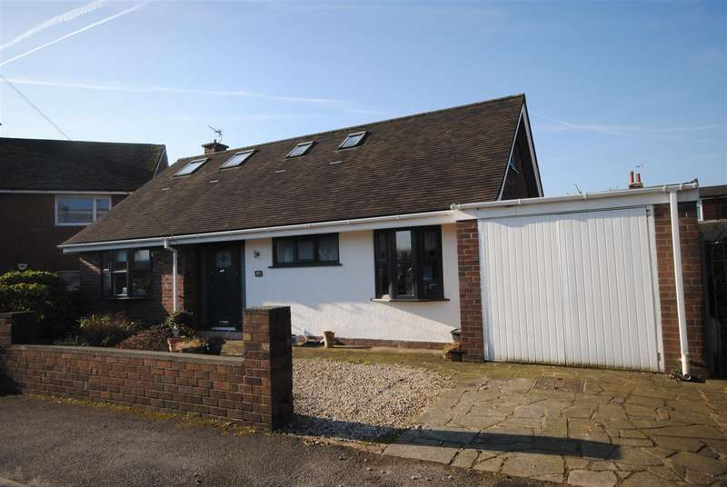 2 Bedrooms Detached Bungalow for sale in Coniston Park Drive, Standish, Wigan