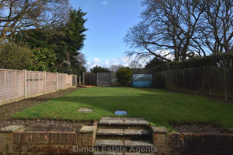3 Bedrooms Semi Detached House for sale in Oakdene, Rowner