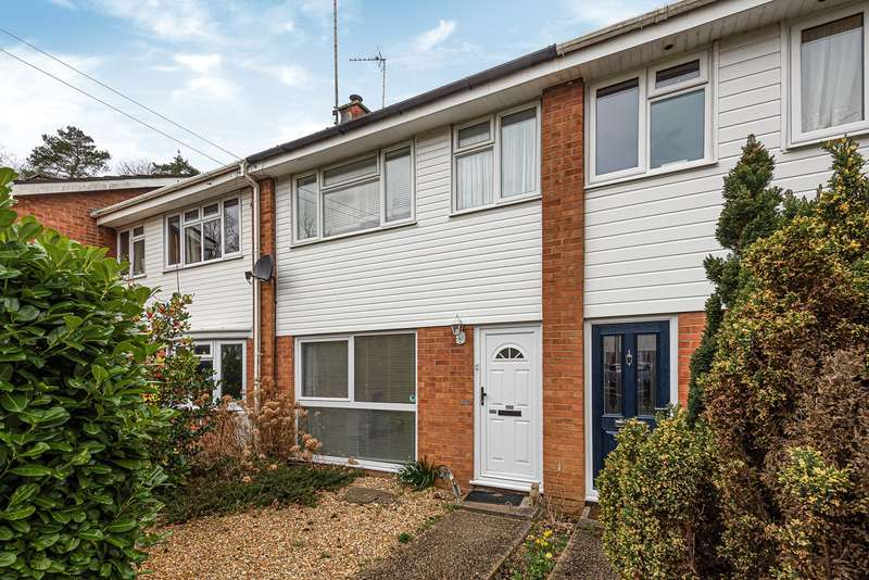 3 Bedrooms Terraced House for sale in Hazel Green, Baughurst, Tadley, RG26