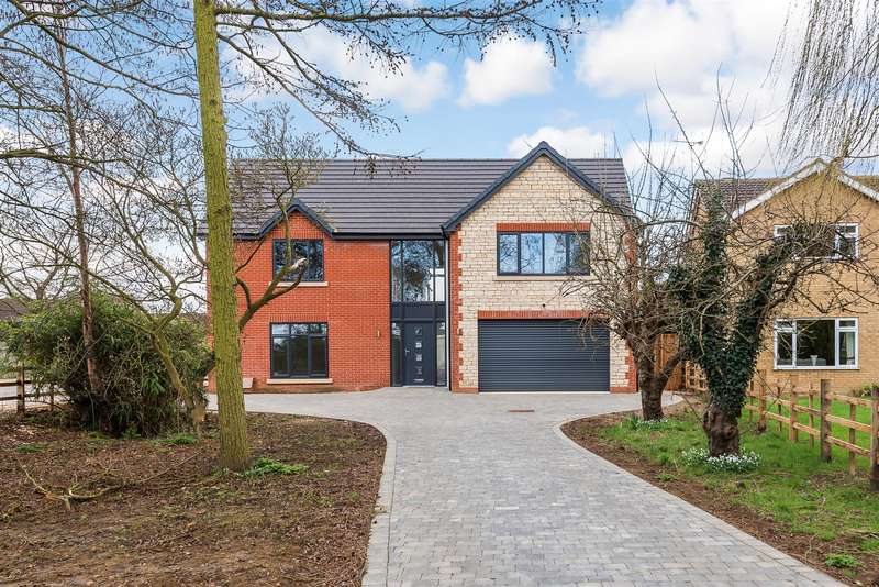 5 Bedrooms House for sale in Hawthorn Road, Cherry Willingham, Lincoln