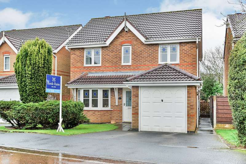 3 Bedrooms Detached House for sale in Kempsford Close, Manchester, Greater Manchester, M23