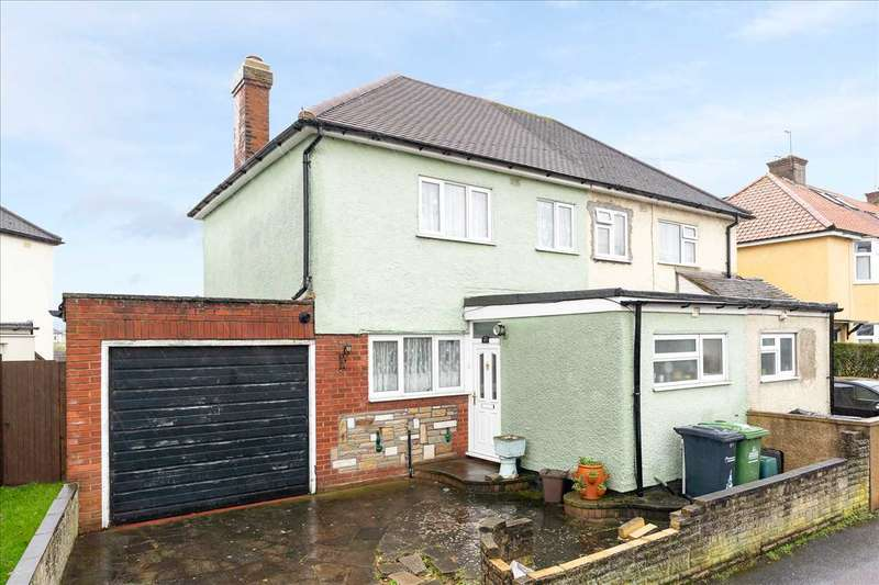 3 Bedrooms Semi Detached House for sale in River Avenue, Hoddesdon