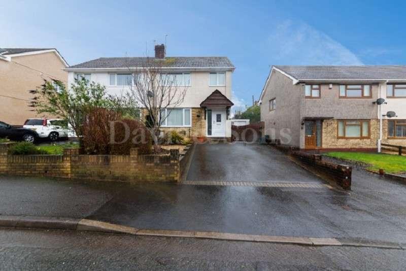 3 Bedrooms Semi Detached House for sale in Lansdowne, Sebastopol, Pontypool. NP4 5EF