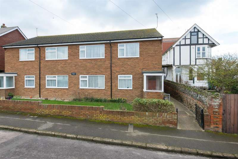 2 Bedrooms Apartment Flat for sale in Carlton Road East, Westgate-On-Sea
