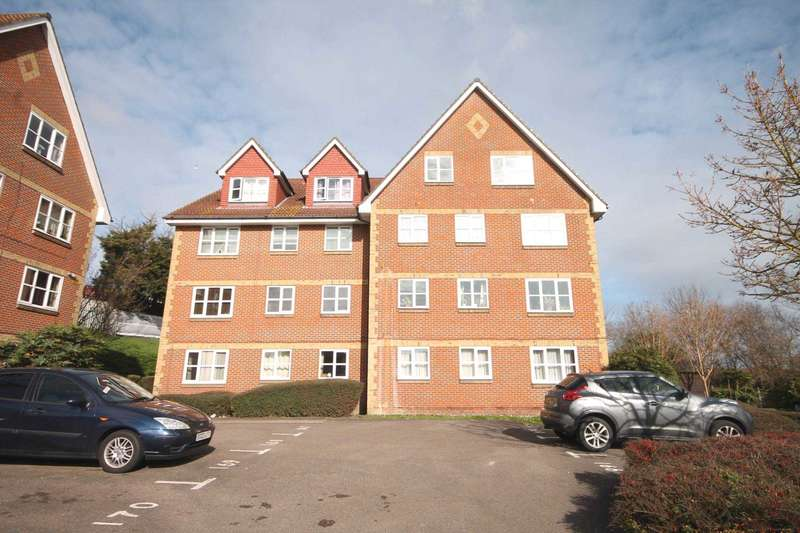 2 Bedrooms Flat for sale in Canada Road, Slade Green