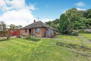 3 Bedrooms Bungalow for sale in Canterbury Hill, Tyler Hill, Canterbury, Kent