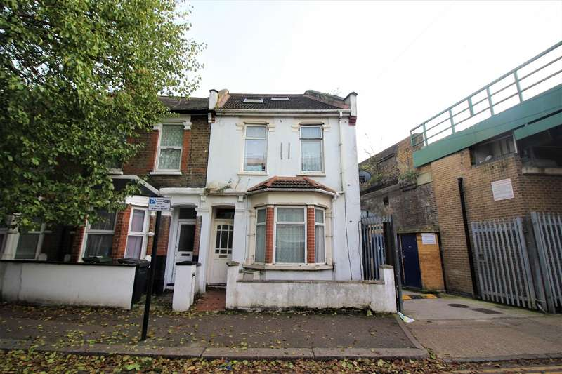 2 Bedrooms Flat for sale in Skeltons Lane, London