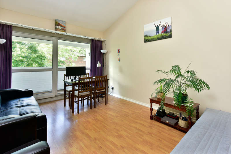1 Bedroom Flat for sale in Westacott Close, Archway