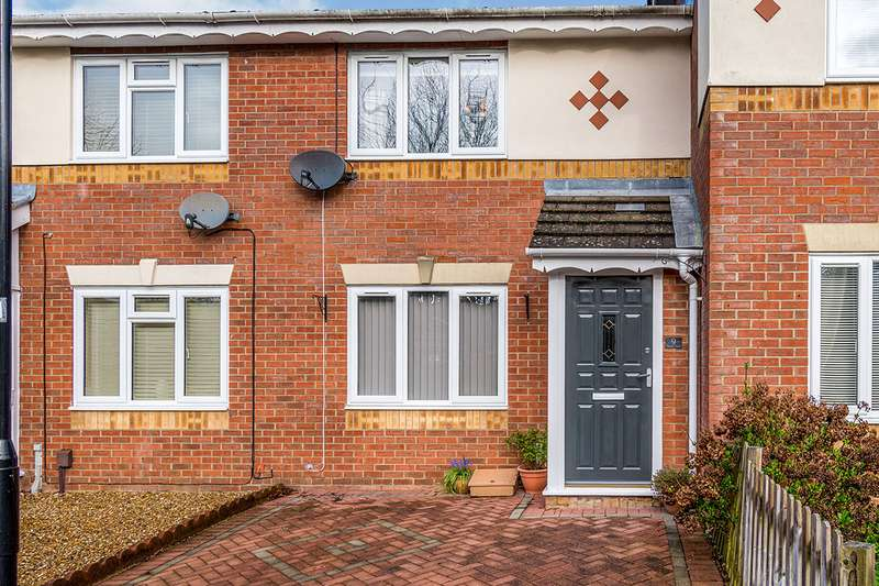 2 Bedrooms House for sale in Watts Close, Southampton, Hampshire, SO16