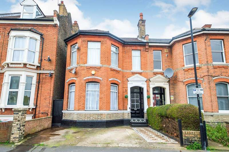 4 Bedrooms Semi Detached House for sale in Margery Park Road, London, E7