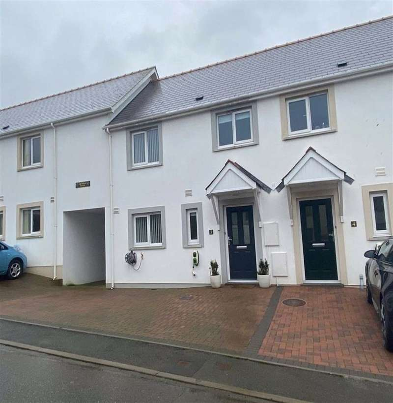 3 Bedrooms Semi Detached House for sale in Old School Terrace, Spittal, Haverfordwest