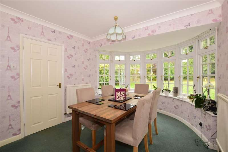 5 Bedrooms Detached House for sale in Can Hatch, , Tadworth, Surrey