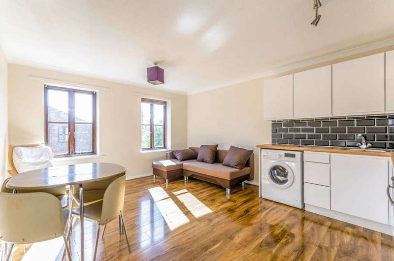 1 Bedroom Flat for sale in Nightingale Way, Beckton, E6
