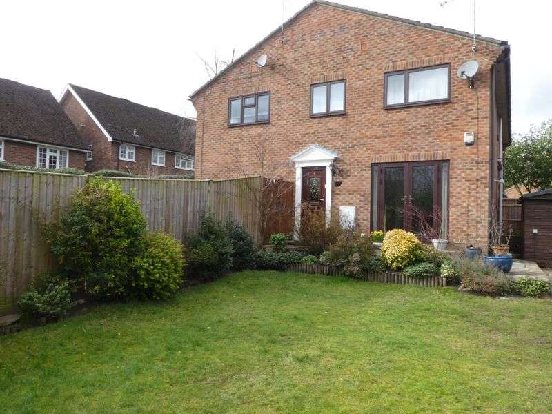 2 Bedrooms Property for sale in Hillcrest, Fleet