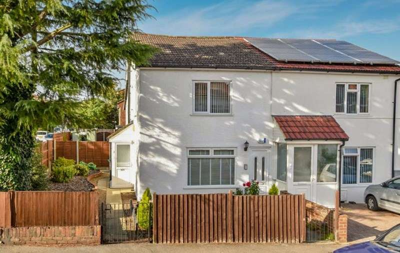 2 Bedrooms Apartment Flat for sale in Bulwer Road, Barnet, Hertfordshire, EN5