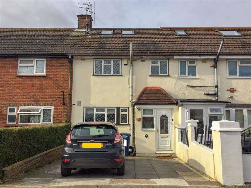 4 Bedrooms Terraced House for sale in Ridgeview Close, Barnet, Hertfordshire, EN5