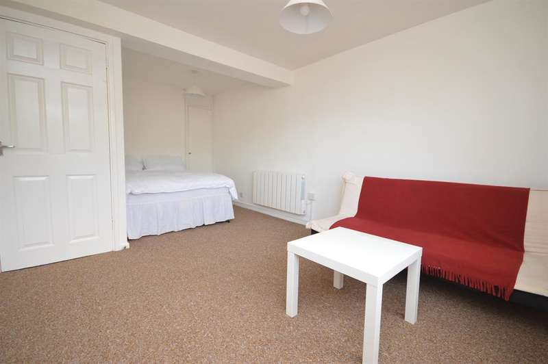 1 Bedroom Farm House Character Property for sale in Falcon House, Gurnell Grove , W13 0AE