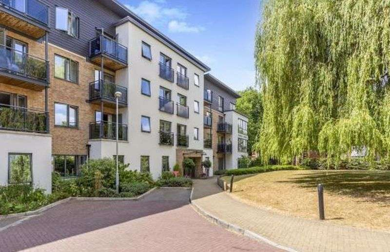 2 Bedrooms Property for sale in Jenner Court, Cheltenham: **TWO BEDROOMS & TWO BALCONIES WITH GREAT VIEWS-PRICED TO SELL**