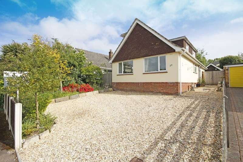 4 Bedrooms Bungalow for sale in Anderwood Drive, Sway, Lymington, Hampshire, SO41