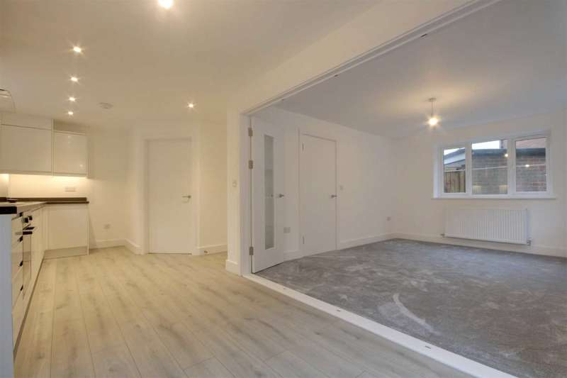3 Bedrooms Detached House for sale in BRAND NEW!! 3 DOUBLE BEDS - `LARCHWOOD HOUSE`, LARCHWOOD ROAD