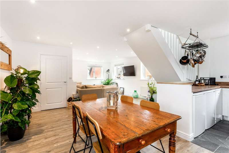 2 Bedrooms House for sale in Wykeham Way, Winchester, Hampshire, SO23