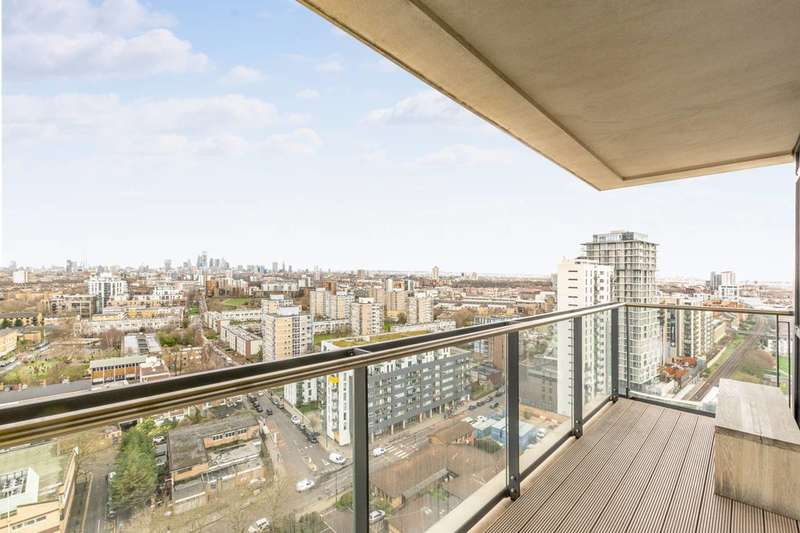 2 Bedrooms Flat for sale in Hay Currie Street, Poplar, E14