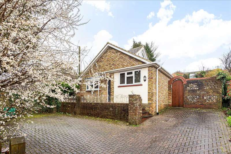 3 Bedrooms Bungalow for sale in Winchester Street, Overton