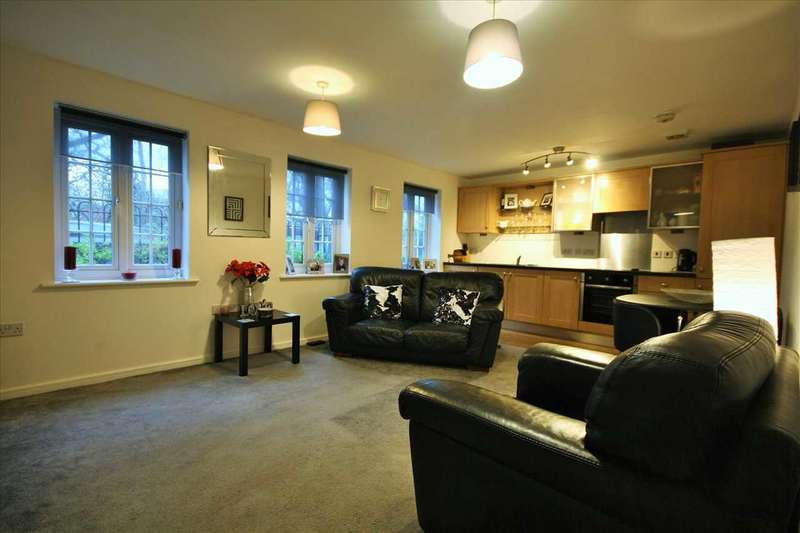 2 Bedrooms Apartment Flat for sale in Mill Court, Stoneclough, Stoneclough