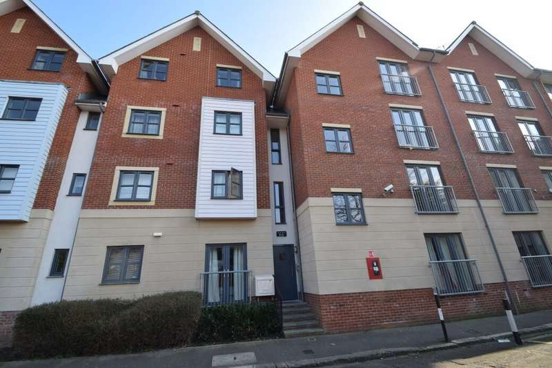 2 Bedrooms Flat for sale in Aylward Street, Portsmouth, PO1