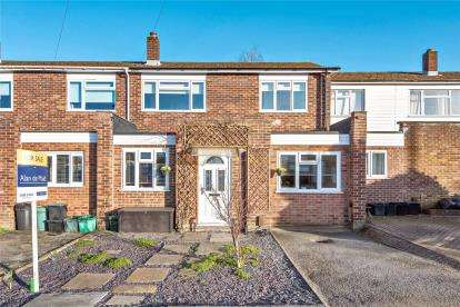 4 Bedrooms Terraced House for sale in Mungo Park Way, Orpington, Kent
